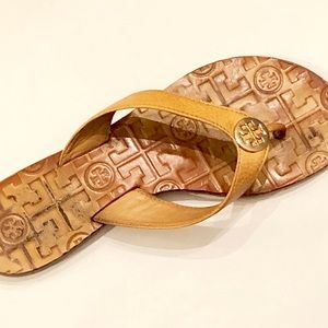 Tory Burch Leather Flip Flop Sandals Size 7